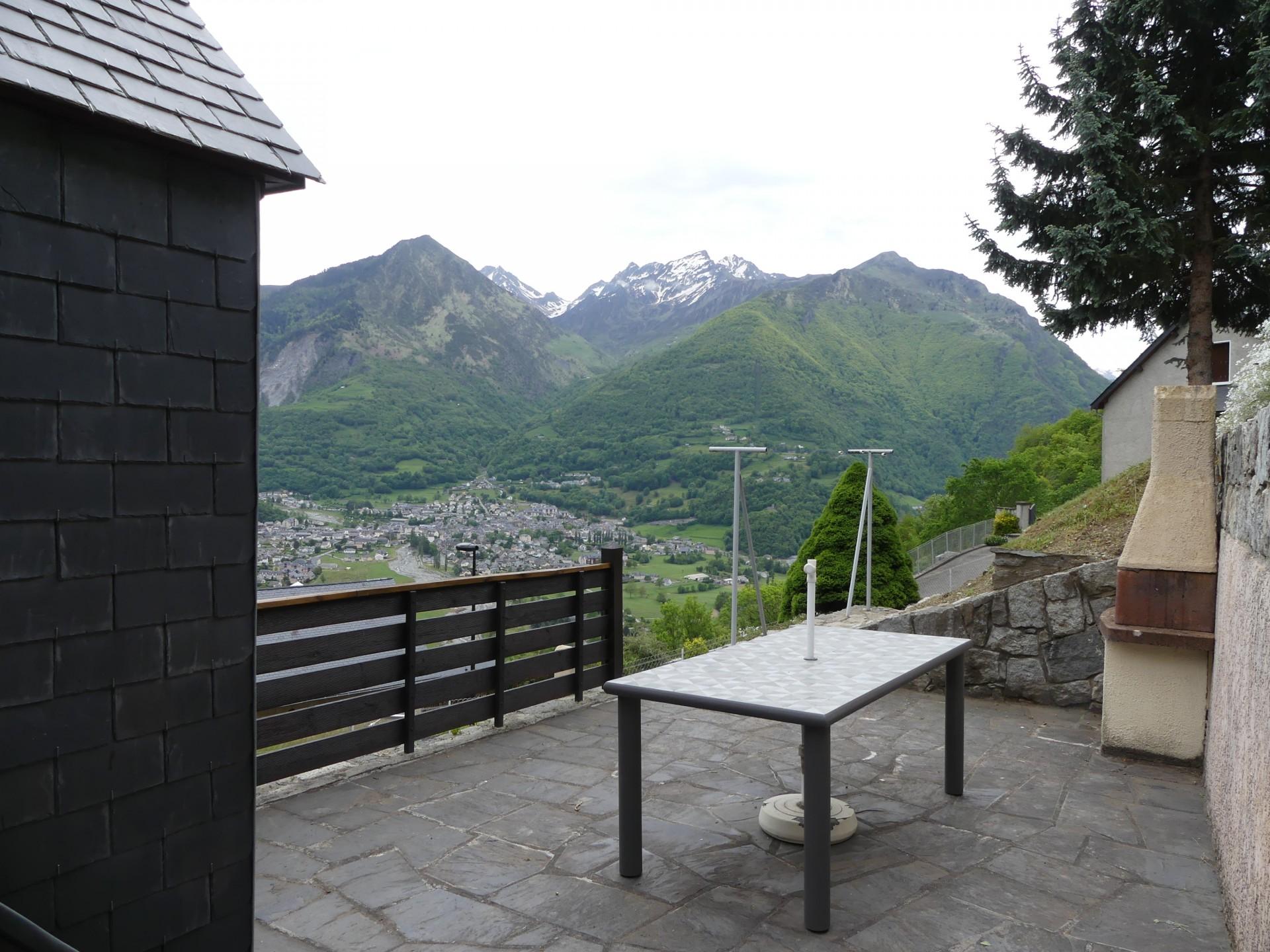App 3 terrasse avec vue sur les montagneset vallee