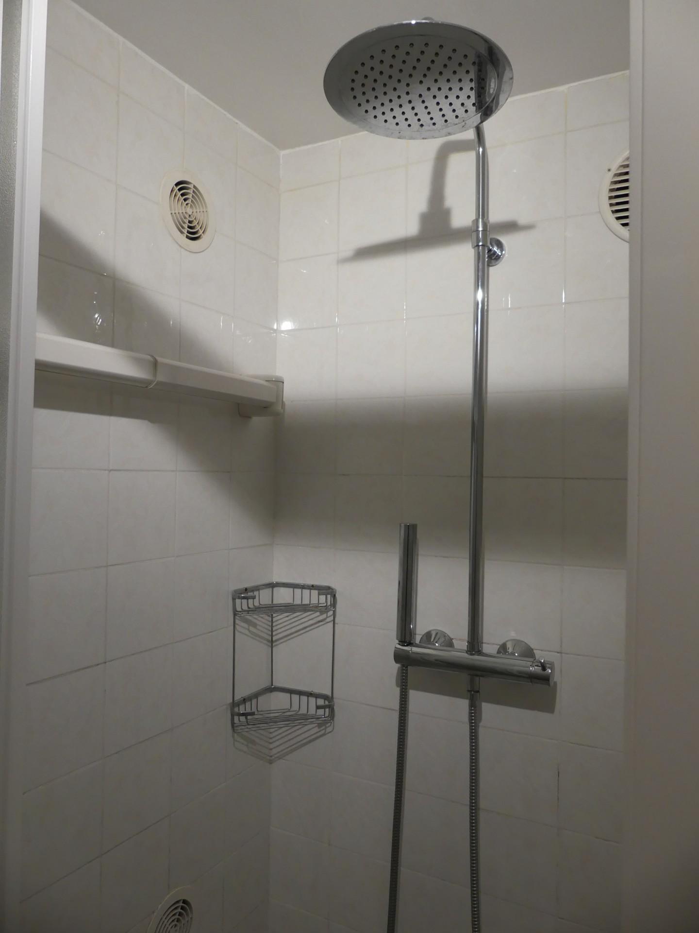 Appa 1 salle de bain